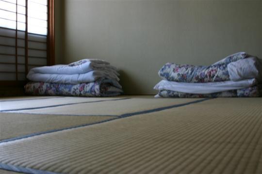 """Japonija. Kioto. """"Costa del Sol"""" hostelis"""