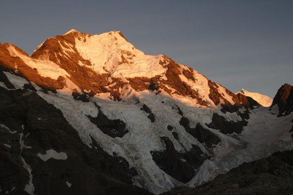 Mount Cook, Middle Peak, Caroline Gleicer, Anzac Peaks, Mount Tasman, Sunrise